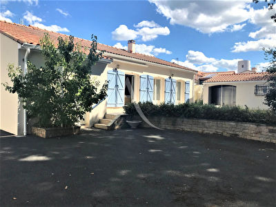 BOURG ST PHILBERT DE GRAND LIEU 127M²